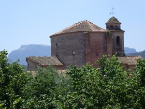 esglesia santa maria magdalena amb la mola de fons
